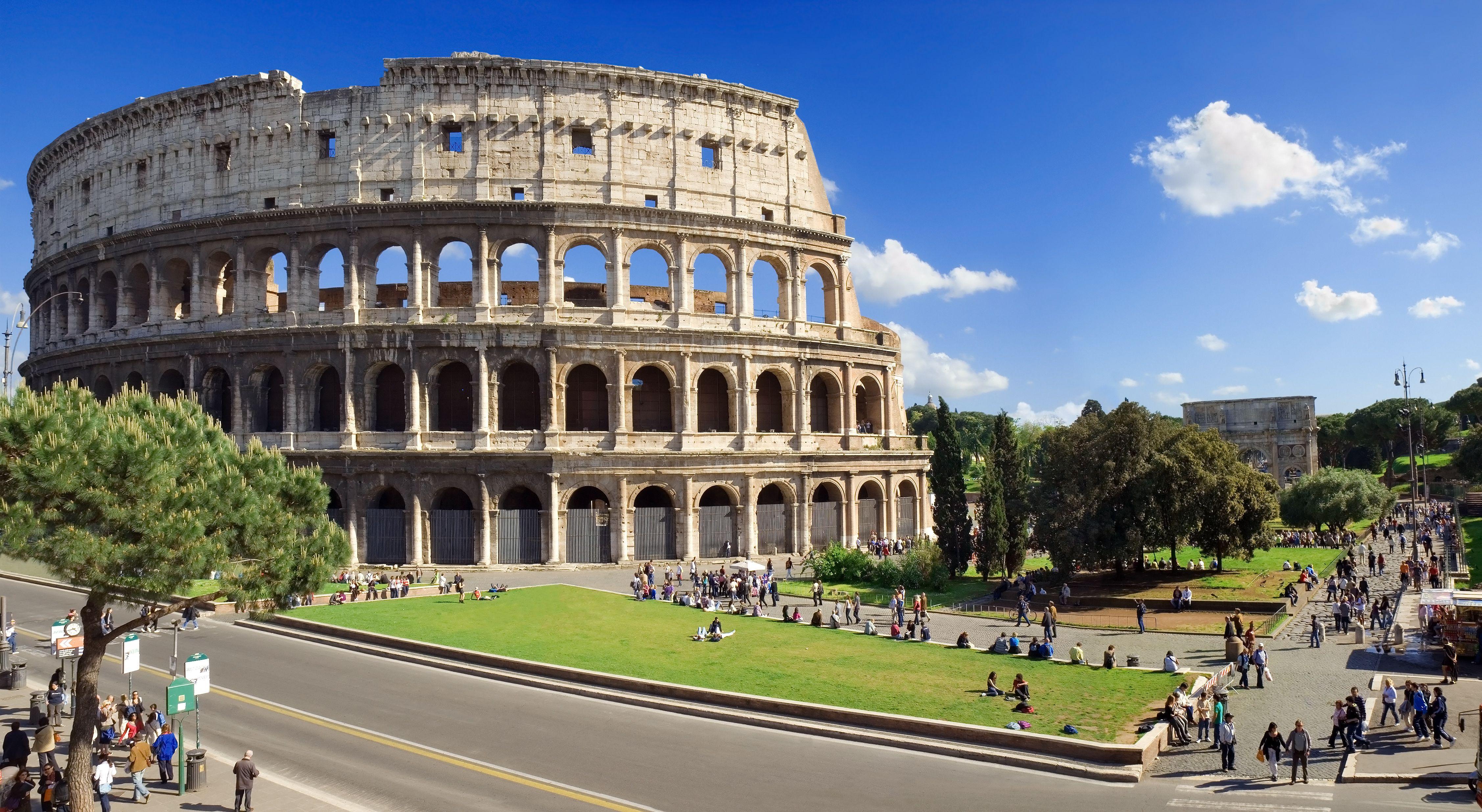 Colosseo residenza maritti for Affitto roma porta di roma